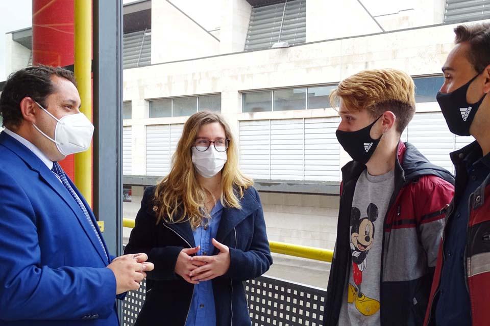 Los Porches del Audiorama se abre a los jóvenes con la firma de un acuerdo con la International Students Association Zaragoza